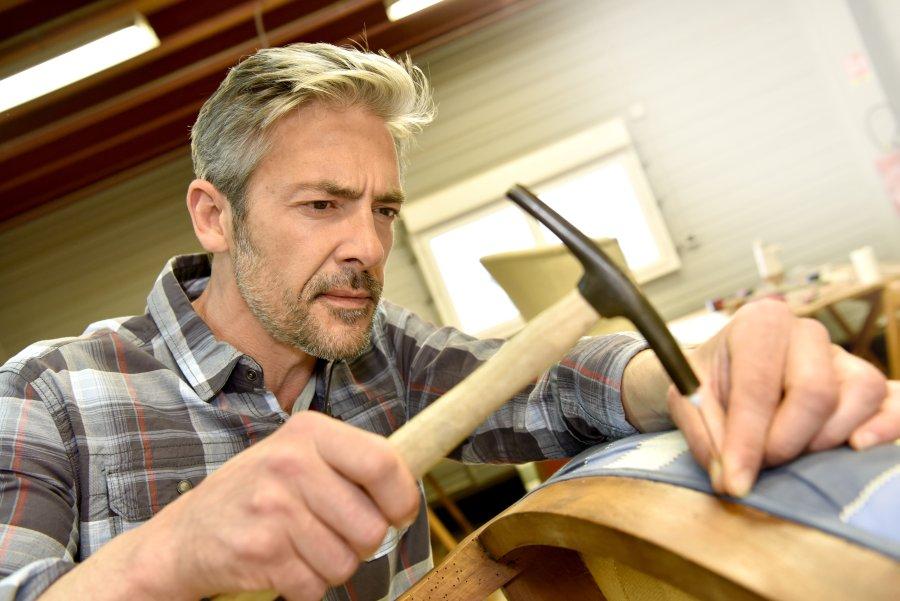 renowacja mebli przez tapicera