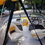 tapicerowane siedziska w łodzi