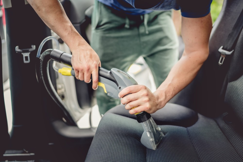 czyszczenie tapicerki i tapicerstwo samochodowe