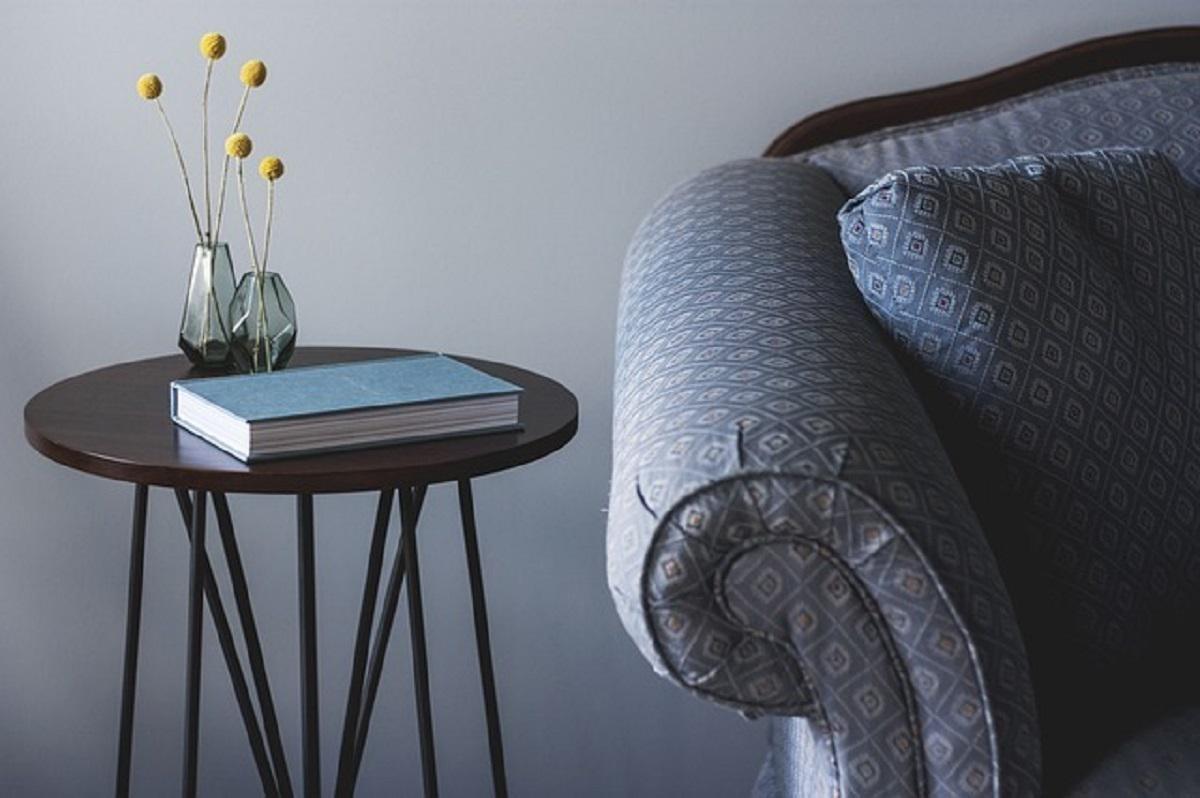 tapicerowana kanapa